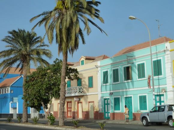 Face au port à Mindelo au Cap-Vert