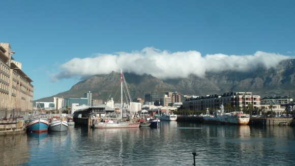 Table Mountain, vu du Waterfront (Le Cap, Afrique du Sud).