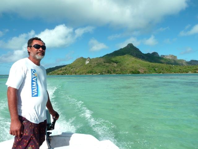 Vue sur l'île centrale de Maupiti.