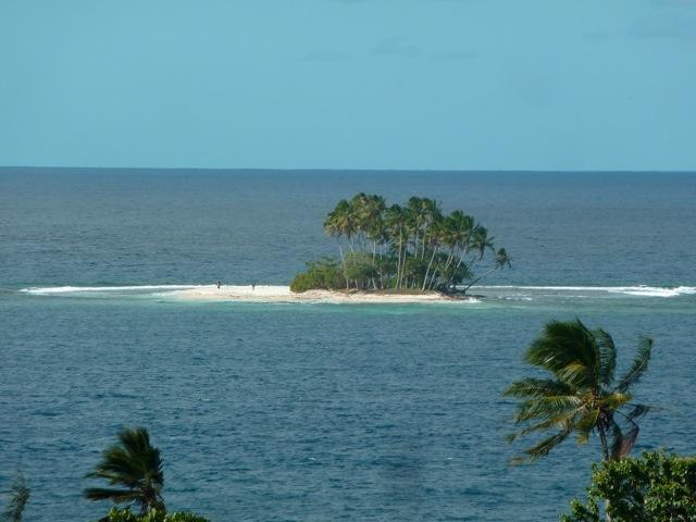 Un motu, devant Tahiti Iti.