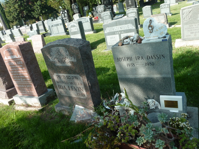 Joe Dassin au Hollywood forever cemetery.