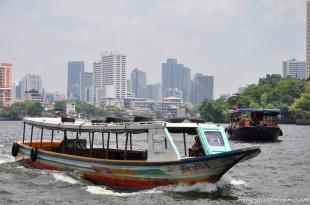 A bord du Le Chao Phraya express, à Bangkok.