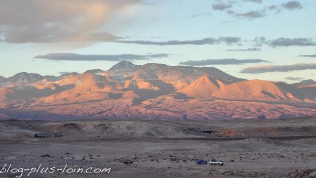 Coucher de soleil sur la Valle de la muerte. Désert d'Atacama. Chili.