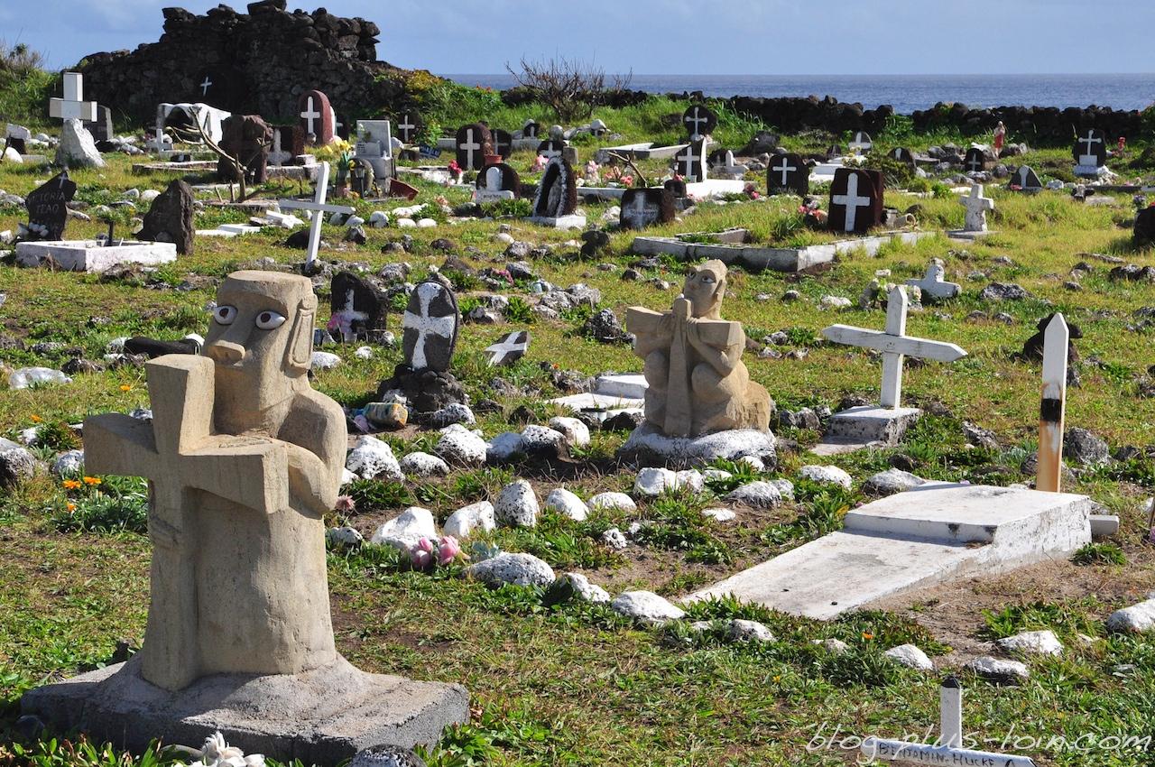 Le cimetière, à Hanga Roa. Rapa Nui 2013.