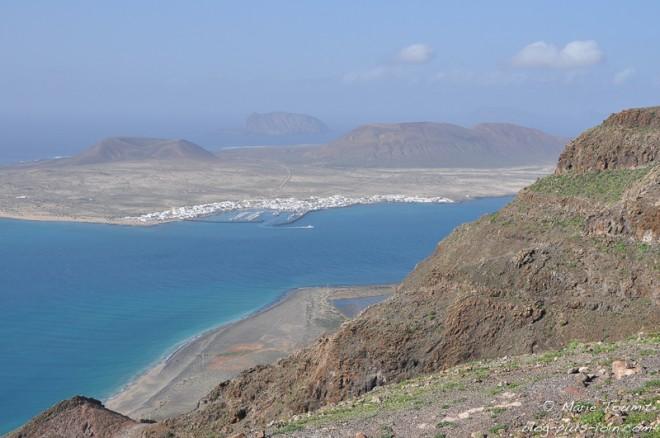Vue sur l'île de la Graciosa, à Lanzarote (Canaries).
